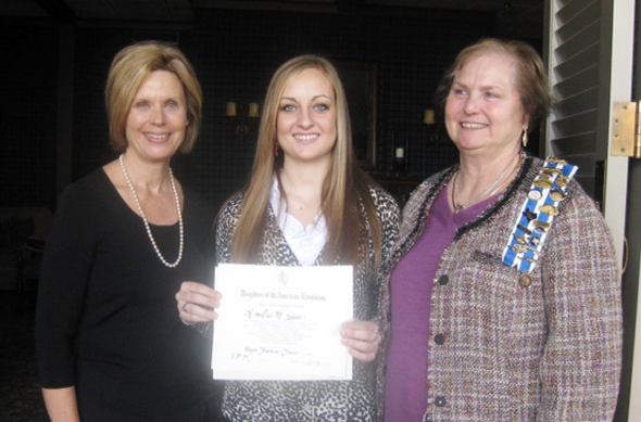 Annelise Sauer, a senior at Henrietta High School was  the DAR Good Citizen award by the Maj. Frances Grice Chapter of Wichita Falls.
