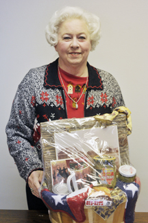 Joan Schaffner and husband Leroy were one of five to win a Texas-themed gift basket in the TEEA drawing.