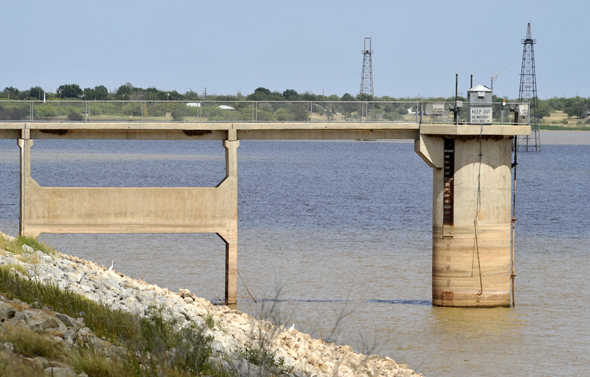 Lake Arrowhead has dropped to 28.8 percent capacity, spurring city leaders in Henrietta and Wichita Falls to enact stage 4 water restrictions.